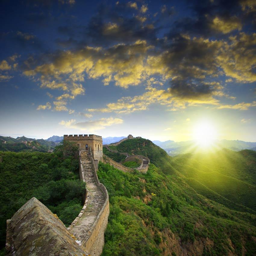 החומה הסינית בשקיעה - מראה בלתי נשכח!