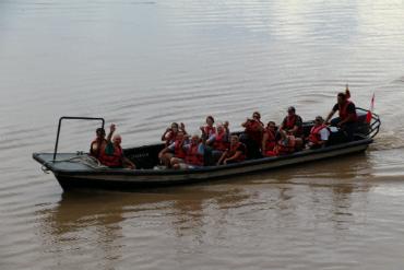שטים בנהר האמאזונאס