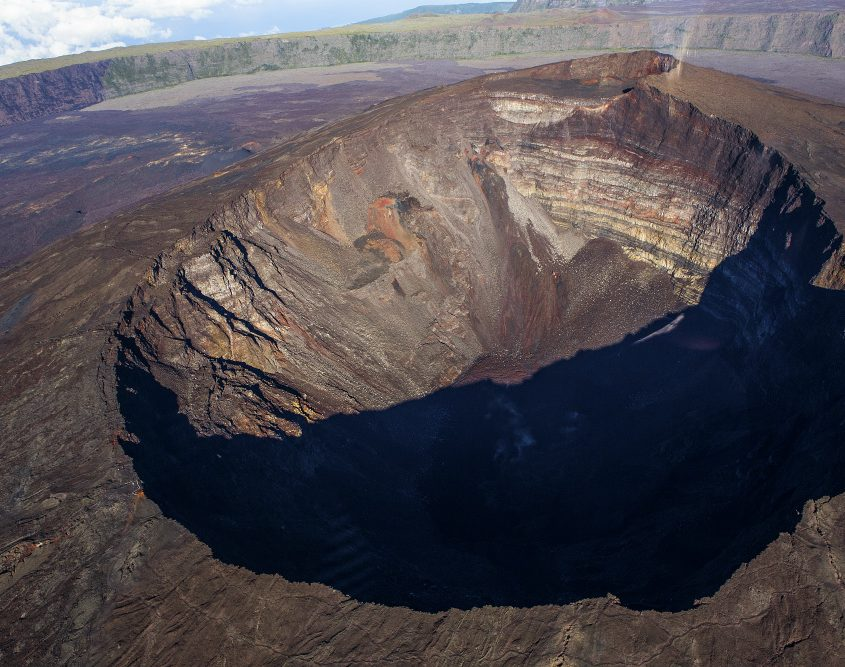 הר הגעש פיטון דה לה פורנאס - עם נוה אקדמיה