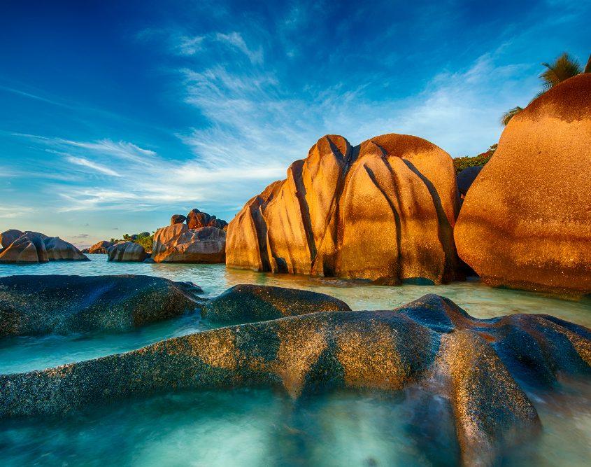 סיישל - חוף פסלי הסלע